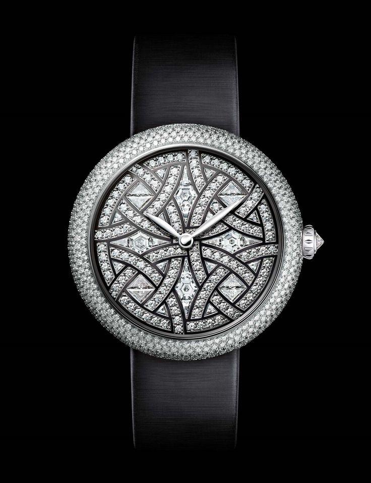 CHANEL Mademoiselle Privé decoración Aubazine http://nuevosrelojes.com/hombre/los-nuevos-relojes-de-chanel-presentados-en-baselworld-2017/