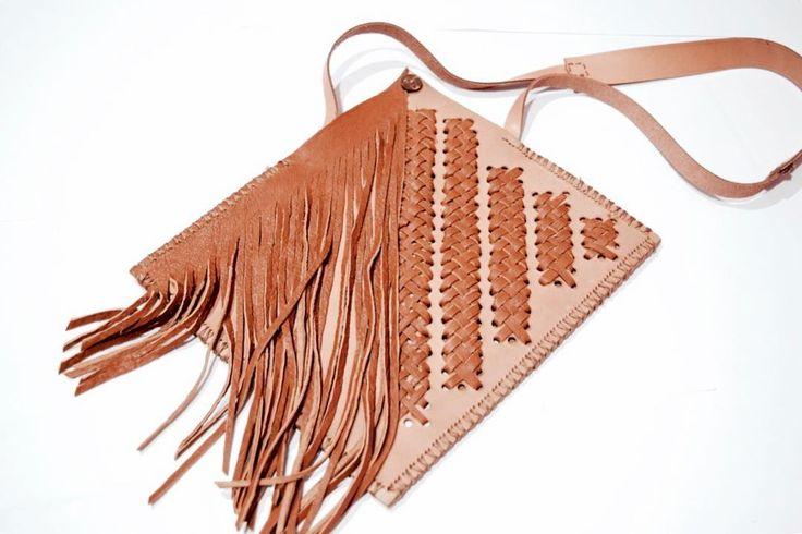 My first handmade leather sling bag  .  Materials : kulit sapi+ kambing+keringat
