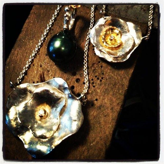 Halskæder med guld Flakes og diamant. #neckless #diamonds #tahitianpearls