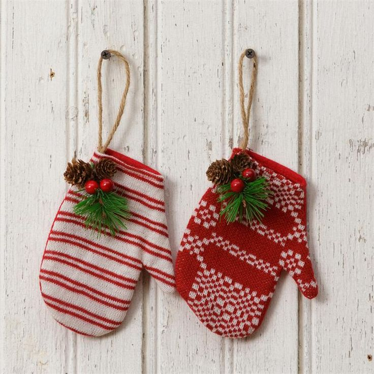 Colonial Christmas Coverlet Mittens Ornaments ~ Set of Two