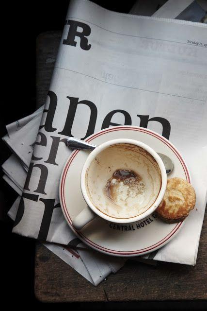 coffee & the paper / Stine Adele Christiansen