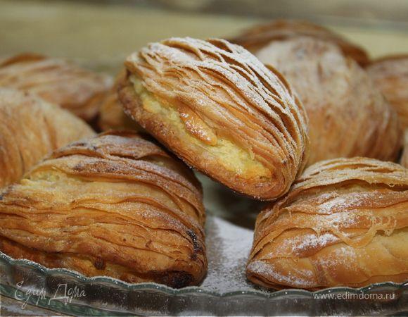 Неаполитанское пирожное Le Sfogliatella. Ингредиенты: мука манитоба, вода, мед жидкий