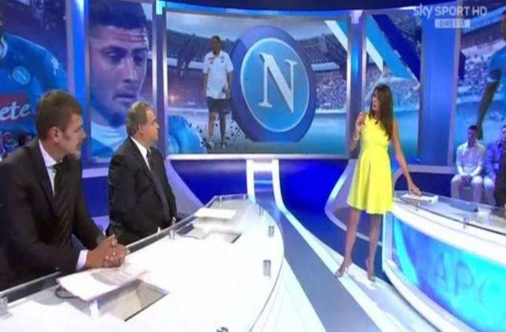 Ilaria D'Amico in onda col pancione su Sky fino a Natale