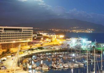 A melhor maneira de começar a tarde! Obrigada a todos os que preferiram o Hotel Marina Atlântico durante o ano de 2014 e fizeram com que ganhássemos este importante prémio que nos deixa extremamente felizes.  Esperamos continuar a ser o seu Hotel de eleição em Ponta Delgada para o ano de 2015! ;)