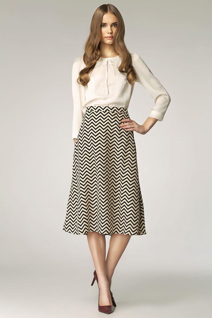 #skirt #black #white  http://www.sklep.nife.pl/p,nife-odziez-spodnica-sp19-paski,28,674.html