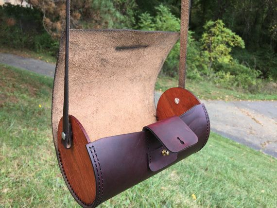 Etsy の Horween LeatherWood Cylinder Bag by CTYsProject