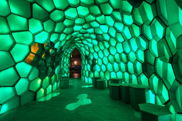 Bond light installation wows the crowds at Vivid Festival | Architecture And Design