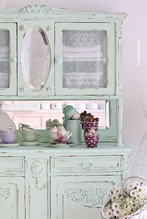 best 25 shabby chic dressers ideas on pinterest shabby. Black Bedroom Furniture Sets. Home Design Ideas