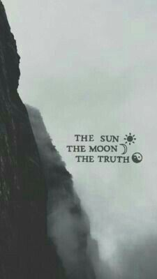 The sun   The moon  The tue  Il sole  La luna  La verità