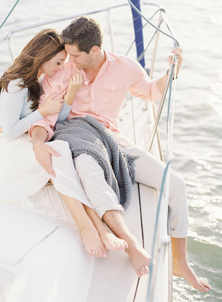 This is my kind of engagement session! Nautical, pretty and full of love.