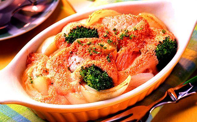 鮭のたらこレモンマヨネーズ焼きのレシピ・作り方・食材情報を無料でご紹介しているページです。