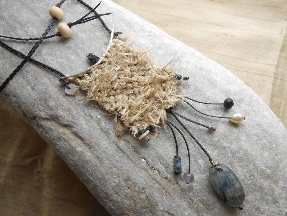 Mano - tessuto di seta collana mini con raw Silk, argento & gems - tessitura arte fibra intrecciata pendente - gioielli tessili -