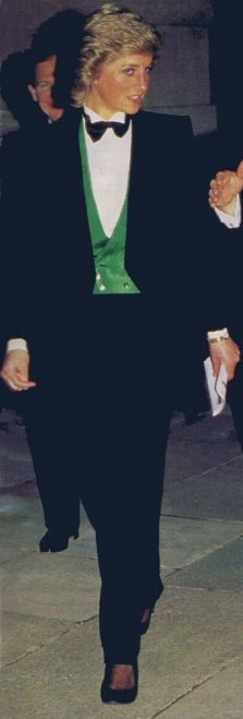 1988-04-20 Diana attends a Greyhound Racing Event at Wembley Stadium in aid of the London City Ballet