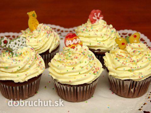 Čokoládové cupcakes s vanilkovým krémom