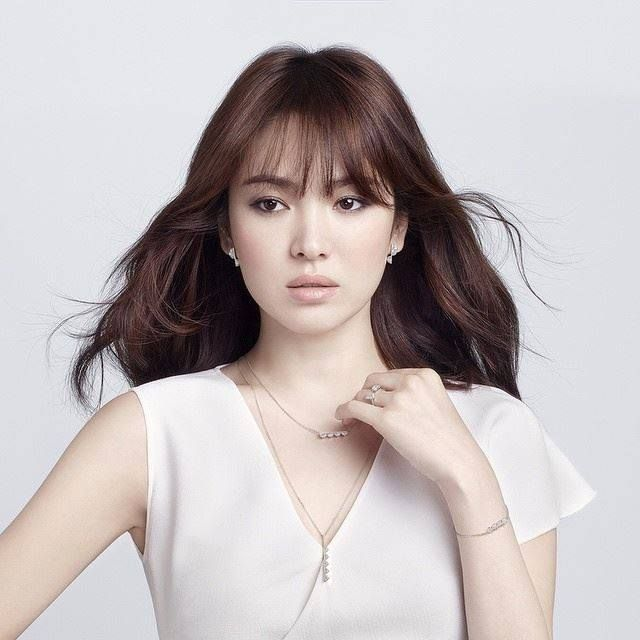 hye women She won several movie awards and named as the prettiest south korean woman by many fashion and lifestyle magazines this actress is an example of south korean's most beautiful woman 1 song hye-kyo song hye-gyo is known as one of the most beautiful women in south korea.