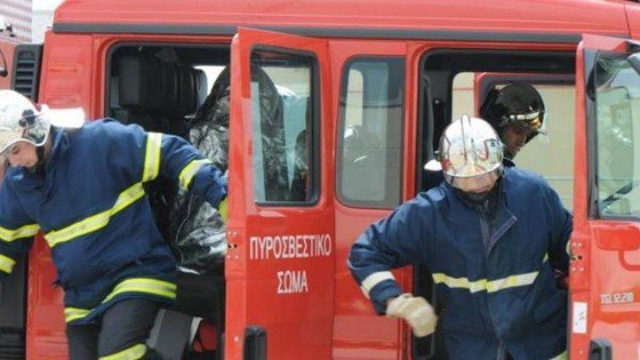 Κορινθία: Σε κρίσιμη κατάσταση ο 35χρονος πυροσβέστης που τραυματίστηκε στο Ζευγολατιό
