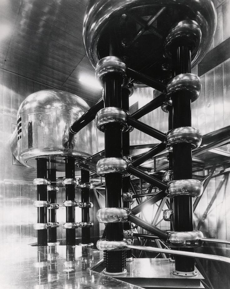 20 Incredible Images of Atomic Age Infrastructure