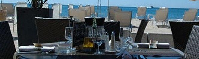 Le Restaurant de la plage privée. Bars et restaurants.  #graydalbion