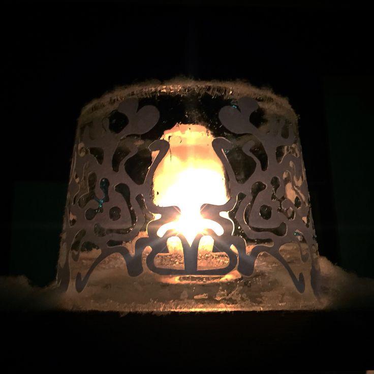 Talven ensimmäinen jäälyhty. The first ice lantern
