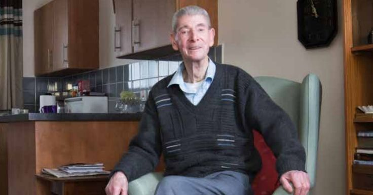 Suivez les conseils de Derek Taylor, 90 ans, pour ne pas sombrer dans la solitude