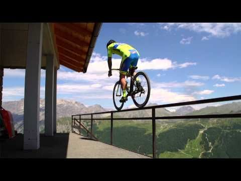 YouTube Tinkoff Saxo: Vittorio Brumotti goes crazy in Livigno