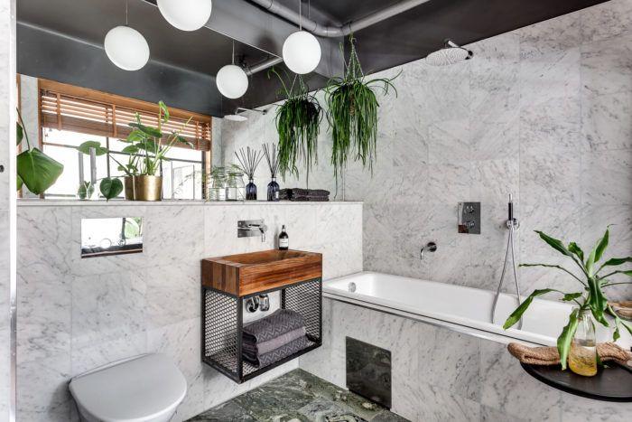 Bathroom with marble and cedar wood