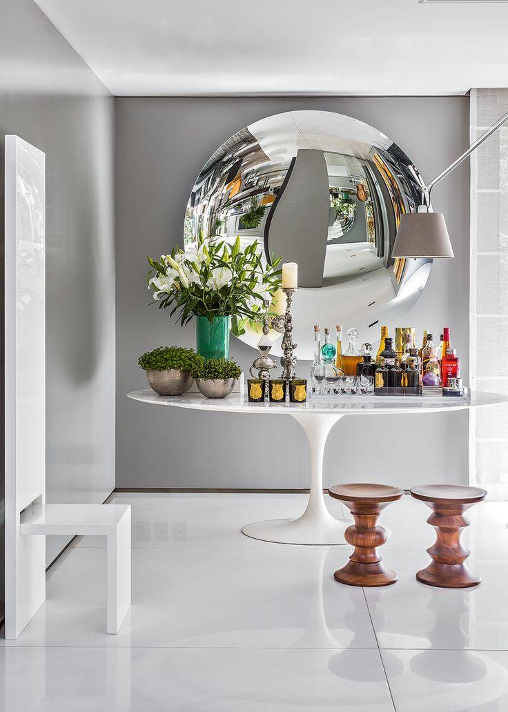 Conheça o apartamento de Ricardo Minelli em São Paulo