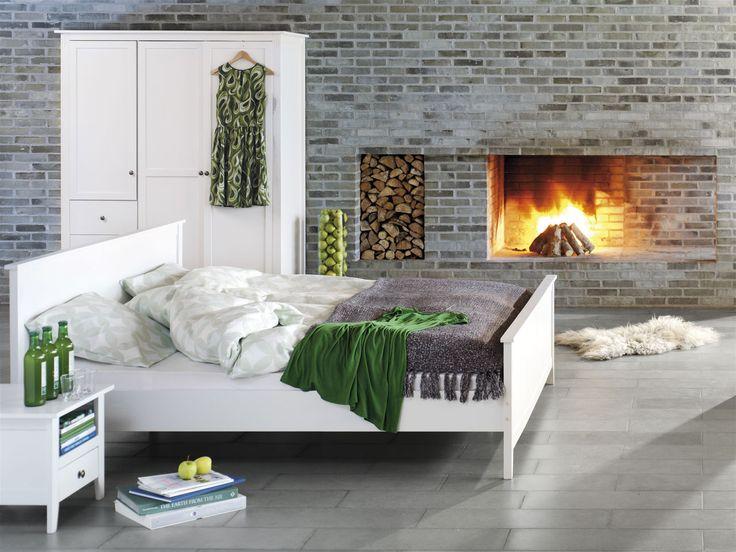 Alb și verde, o combinație primăvăratică ce aduce optimism casei tale. | JYSK #bedroom #homeinspiration #interiordesign | JYSK