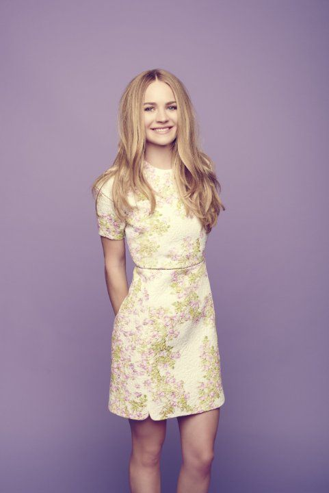 (( FC Britt Robertson )) Hello everyone! I'm Princess Britt, and I'm sixteen years old! I love to shop and work well with others, so I'm very excited to meet everyone'