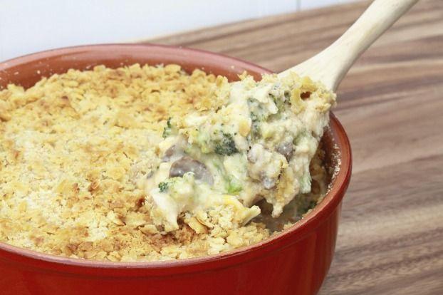 """750g vous propose la recette """"Chou vert à la crème de Saint Agur"""" notée 4/5 par 107 votants."""