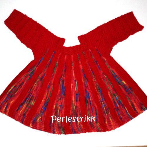 Babykjole strikket på tvers - mønster kommer snart!