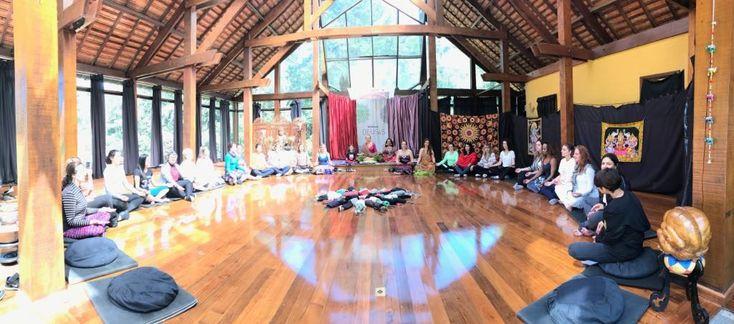 Novo post - Sagrado Feminino Deusas Divinas - foi publicado por Claudya Toledo  - Aconteceu de 10 a 12 de Novembro o Workshop Deusas Divinas no Spa Chan Tao. Galeria de fotos                                                             #td_uid_1_5a0c558e77290  .td-doubleSlider-2 .td-item1 {                         background:... - https://claudyatoledo.com.br/sagrado-feminino-deusas-divinas/