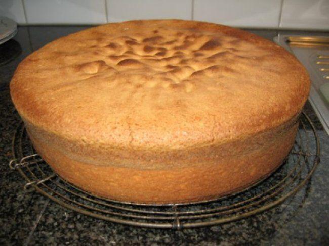 Biscuit met boterroom: verjaardagstaart, kerstgebak of paasgebak 2