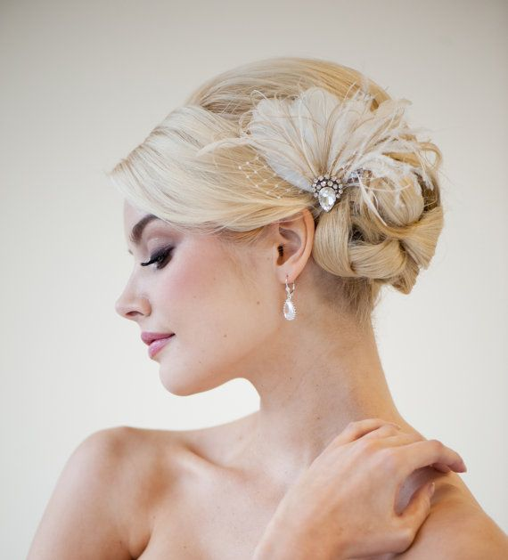 Bridal Fascinator, Wedding Head Piece, Feather Fascinator, Ivory Feather Hairclip - CALI on Etsy, $78.56
