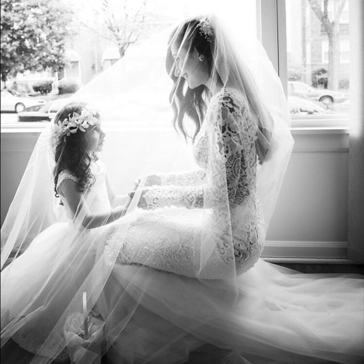 Beautiful #BERTA bride @myouloveit with her best friend and perfect little flower girl ❤️