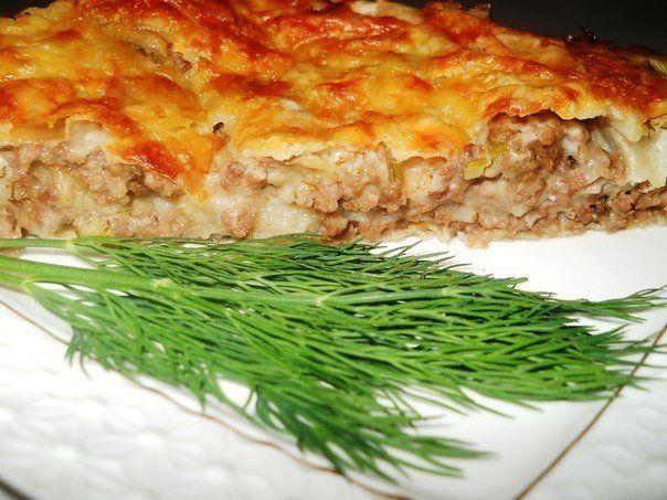 Ленивая лазанья (тонкий лаваш, фарш, лук, помидор, молоко, мука, соль, сыр)