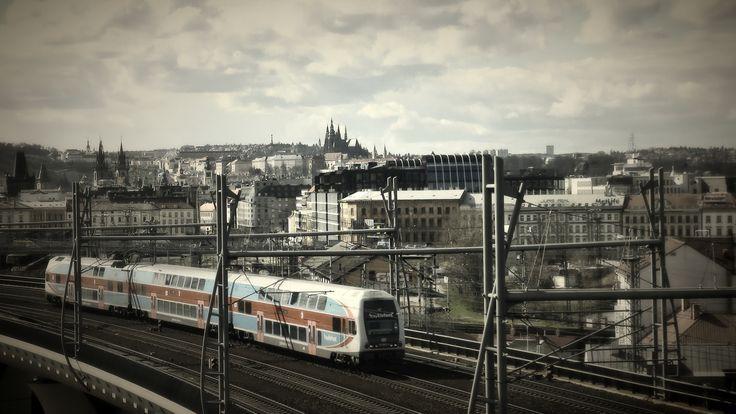 https://flic.kr/p/ET55iV | Prague | Pohled z cesty na vrch Vítkov