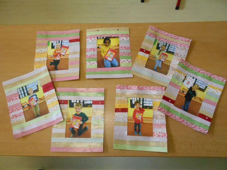 Rámečky na fotky ozdobené nalepenými proužky papíru.
