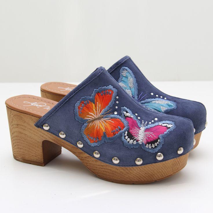 Se nota que ha llegado la primavera, más con nuestros nuevos zuecos de #ALPE con detalles de mariposas, los tenéis disponibles en tres colores distintos, nos han enamorado. Descúbrelos aquí https://www.zacaris.com/articulos/100037720.htm #zacaris #shoponloine #zuecos #denim #newcollection