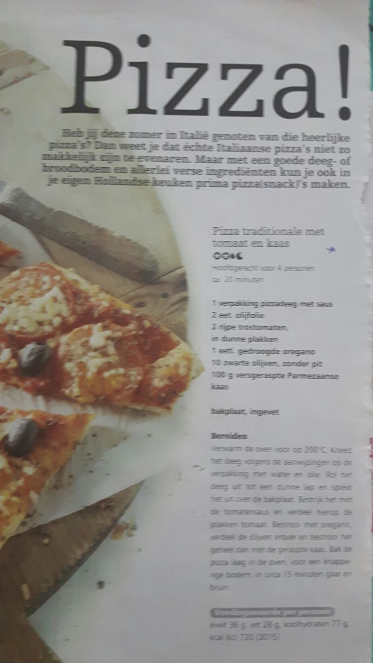 Pizza traditionale met tomaat en kaas