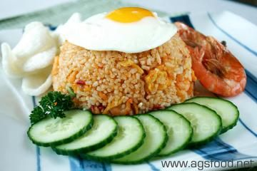 My Nasi Goreng recipe. This is a Balinese chicken fried rice that takes about 30-45 minutes start to finish using relatively common ingredients found at any Asian market.
