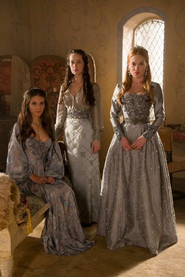 Caitlin Stasey as Kenna, Anna Popplewell as Lola and Celina Sinden as Greer in Reign (TV Series, 2013).