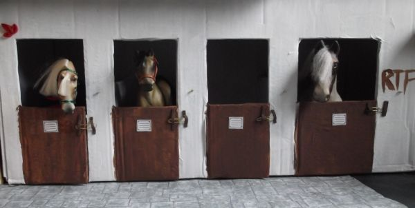 cardboard horse stable picture 2