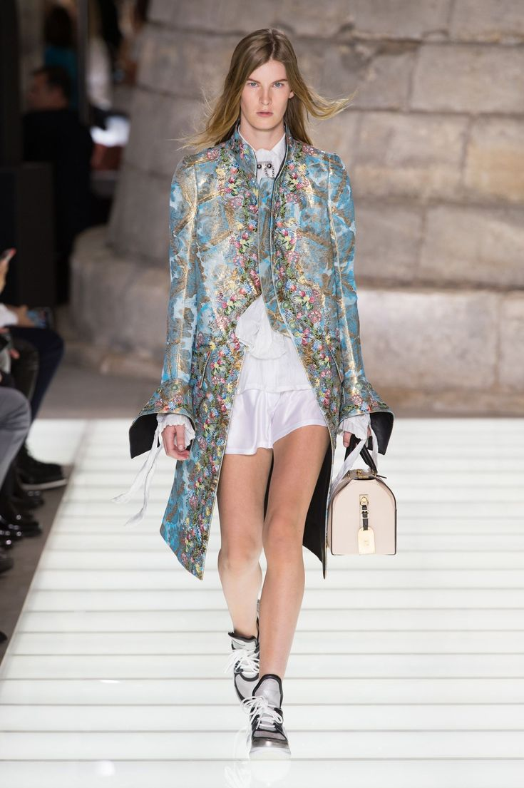 All the Looks From Louis Vuitton Spring Summer 2018