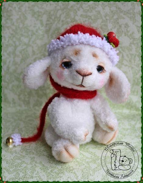 Christmas sheep Rory by By Natalia Leschenko | Bear Pile