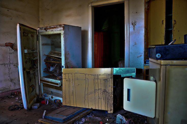 A derelict kitchen in Mundare, Alberta, Canada. Photo by sahlgoode on flickr.