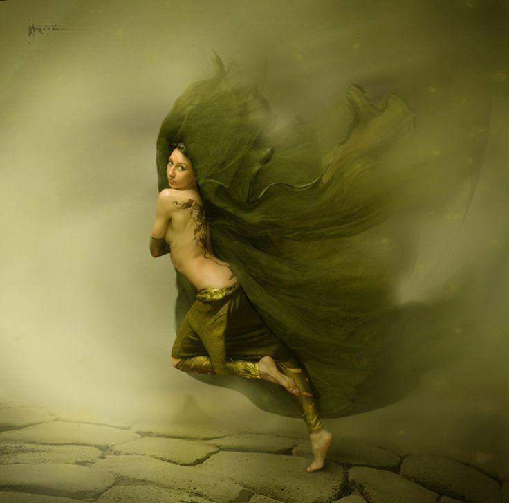 #сумерки #девушка #пустынная #дорога #и #шум #водопада #вдалеке #) Photographer: Владимир Федотко