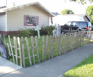 Halloween Fence from Pallets
