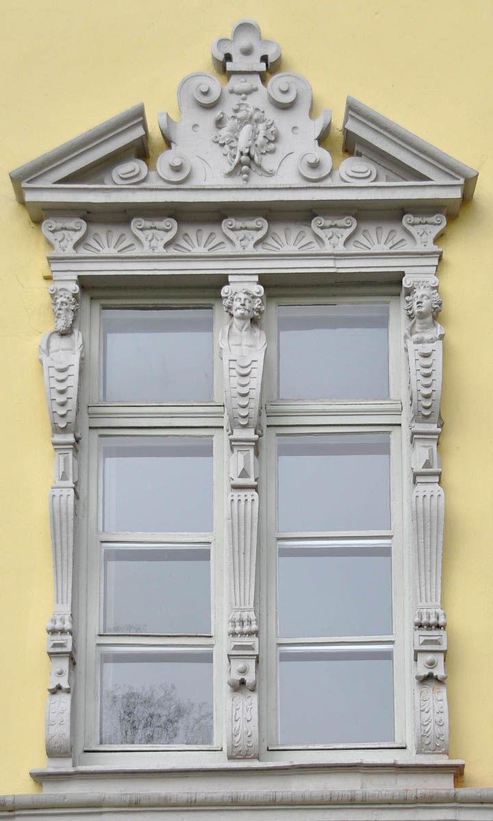 Рельефы фасада замка в Ольденбурге - 2 - Орнамент и стиль в ДПИ