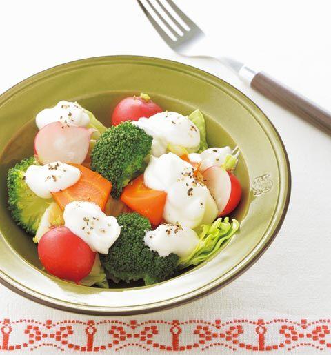 塩ヨーグルトのチーズ風ディップ   レシピ   ダイエット、レシピ、運動のことならフィッテ   FYTTE